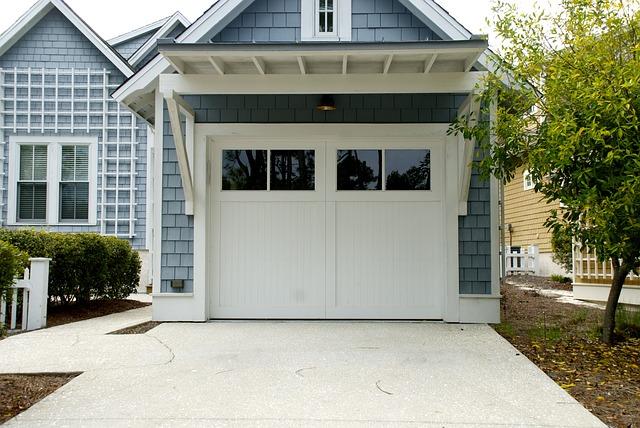Brama garażowa – jaką wybrać?