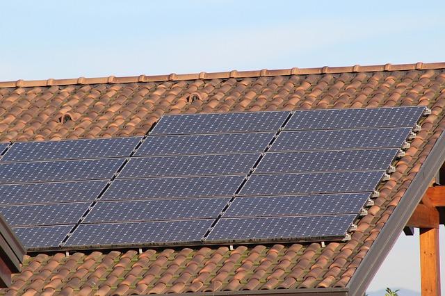 Czy warto instalować panele fotowoltaiczne?