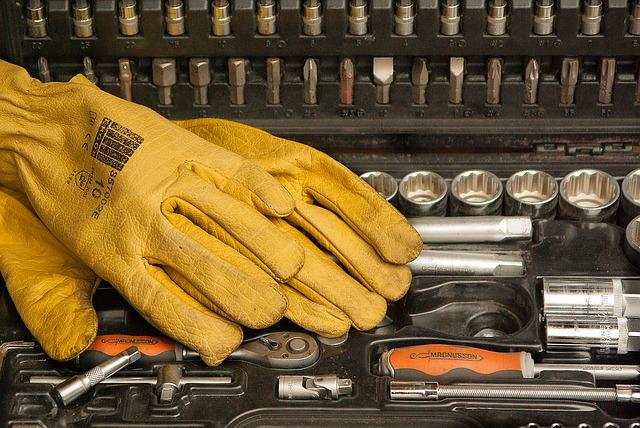 Zestaw narzędzi w walizce – dlaczego warto go mieć?